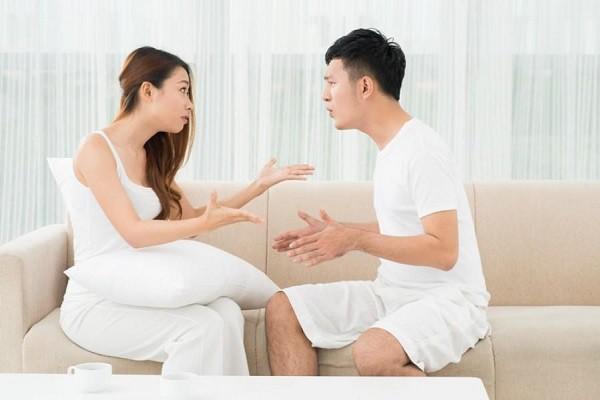 Từ một người chồng hiền lành, chăm lo cho gia đình nhưng sau một biến cố mà thay đổi chóng mặt khiến vợ bỏ thì thương mà vương thì tội - Ảnh 1.