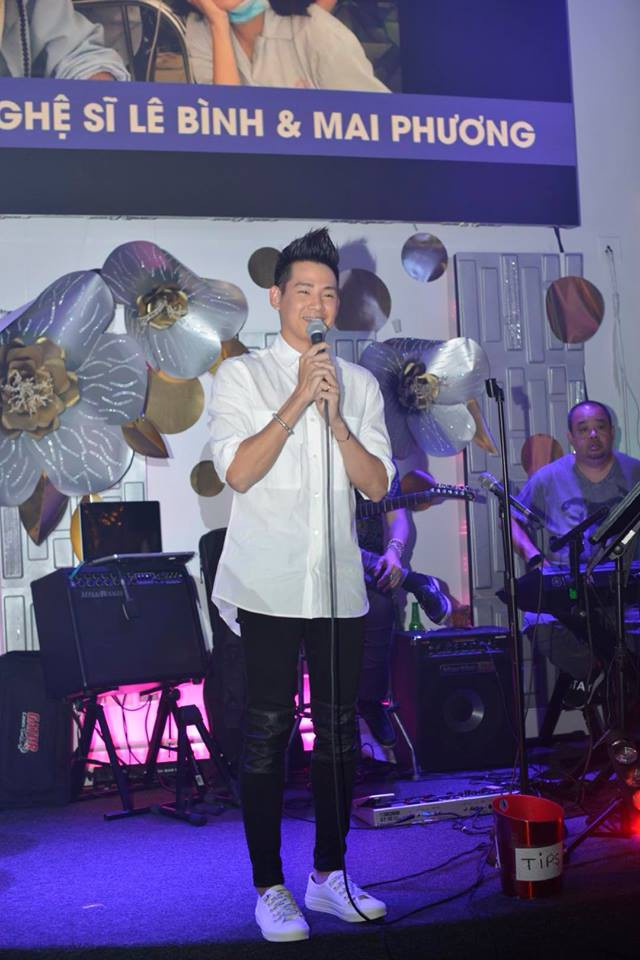 Phùng Ngọc Huy bất ngờ xuất hiện trong đêm nhạc ủng hộ Mai Phương tại Mỹ - Ảnh 2.