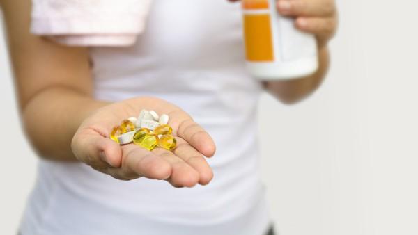 Lý do vitamin D quan trọng đối với sức khỏe của phụ nữ và bổ sung bao nhiêu thì đủ - Ảnh 3.