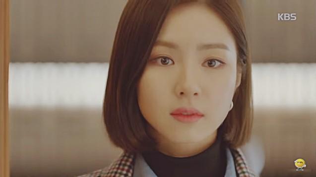Vừa cầu hôn Shin Se Kyung dứt lời, Kim Rae Won đã tíu tít nói cười với gái xinh - Ảnh 7.