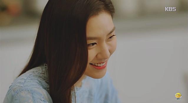 Vừa cầu hôn Shin Se Kyung dứt lời, Kim Rae Won đã tíu tít nói cười với gái xinh - Ảnh 6.