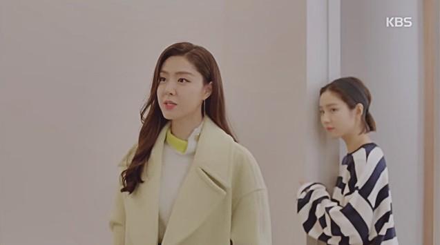 Vừa cầu hôn Shin Se Kyung dứt lời, Kim Rae Won đã tíu tít nói cười với gái xinh - Ảnh 1.