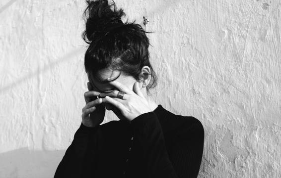 6 dấu hiệu cảnh báo cơn đau nhức đầu bạn đang gặp là không bình thường và cần đi khám ngay - Ảnh 5.