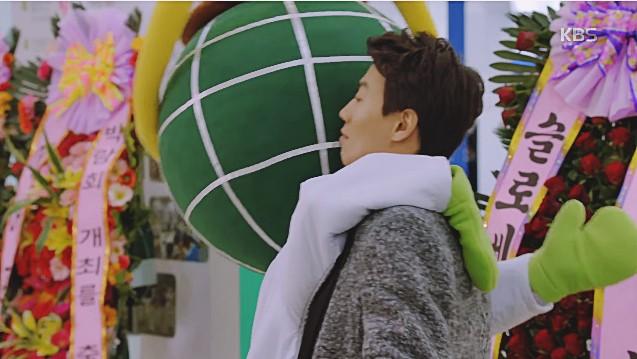 Cuồng nhiệt thế này, Kim Rae Won đã xứng là nam diễn viên hôn giỏi nhất màn ảnh Hàn hay chưa? - Ảnh 1.