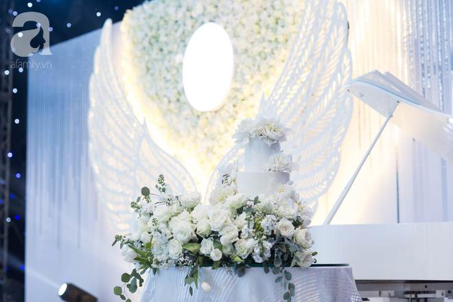 Đám cưới có 1-0-2 sang chảnh hết nấc: Sân khấu lộng lẫy, khách mời đa quốc gia, hoa tươi nhập khẩu tinh tế - Ảnh 12.