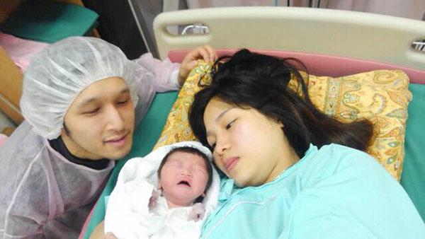 Mẹ Việt ở Nhật kể chuyện sinh con đầu lòng và bữa cơm bệnh viện với những món cực lạ - Ảnh 1.