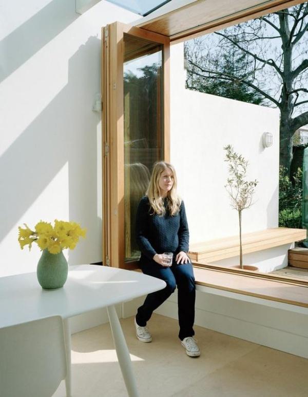 Góc đọc sách bên cửa sổ đẹp lãng mạn cho những ngày gió lạnh - Ảnh 4.