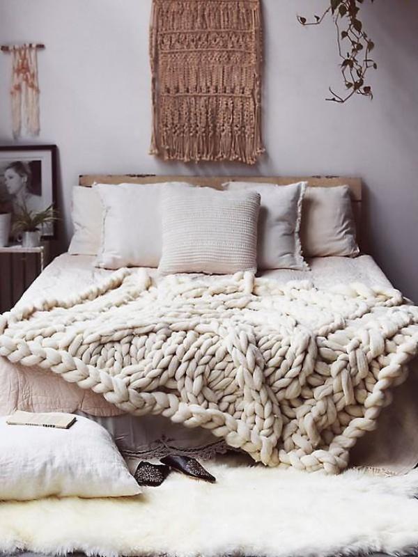 Những ý tưởng trang trí nhà bằng len cho không gian sống mùa đông vừa đẹp vừa ấm - Ảnh 2.