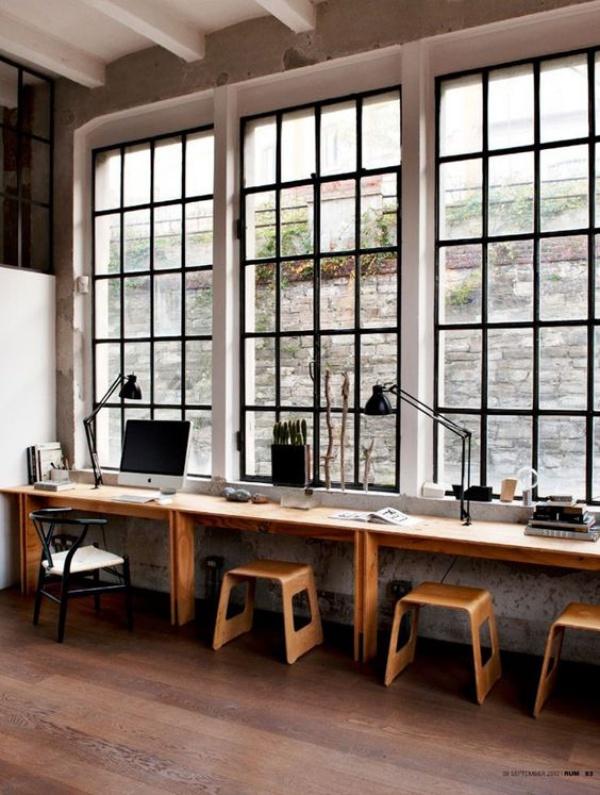 Những cách tận dụng không gian cửa sổ để tạo góc làm việc thoải mái cho nhà hẹp - Ảnh 1.