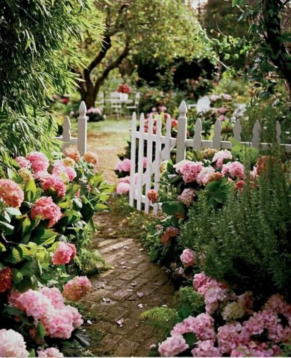 Rộn ràng hương sắc xuân trong sân vườn nhờ những ý tưởng làm đẹp sáng tạo - Ảnh 8.