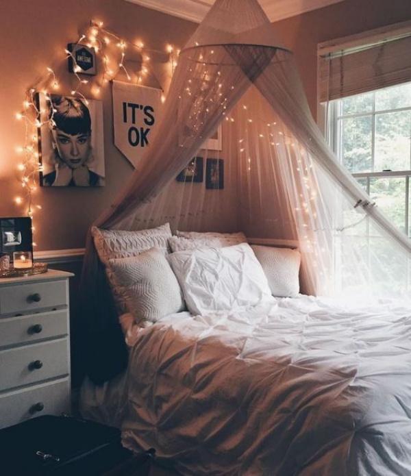Phòng ngủ đẹp lãng mạn như resort sang chảnh nhờ ý tưởng deco bằng đèn Led - Ảnh 2.