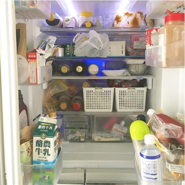"""Tủ lạnh sau Tết """"ngồn ngộn"""" đồ ăn, đây là cách người vợ trẻ ở Nhật sắp xếp giúp không gian lưu trữ tăng gấp đôi - Ảnh 1."""