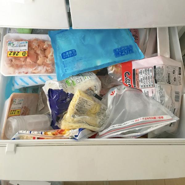 """Tủ lạnh sau Tết """"ngồn ngộn"""" đồ ăn, đây là cách người vợ trẻ ở Nhật sắp xếp giúp không gian lưu trữ tăng gấp đôi - Ảnh 8."""