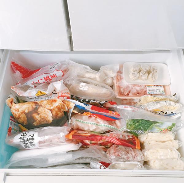 """Tủ lạnh sau Tết """"ngồn ngộn"""" đồ ăn, đây là cách người vợ trẻ ở Nhật sắp xếp giúp không gian lưu trữ tăng gấp đôi - Ảnh 9."""