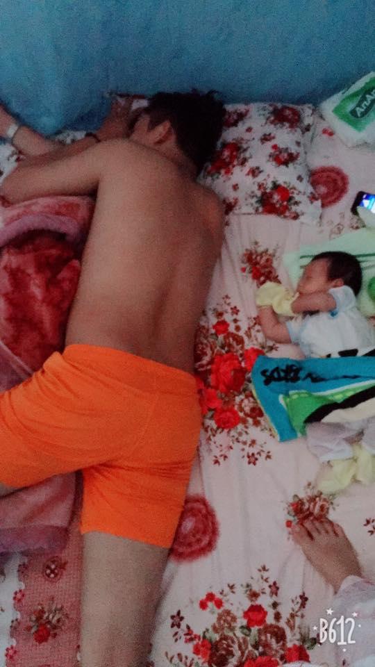 """Các mẹ thi nhau khoe ảnh chứng minh mình """"đẻ thuê"""", đến dáng ngủ con cũng giống bố như đúc - Ảnh 14."""