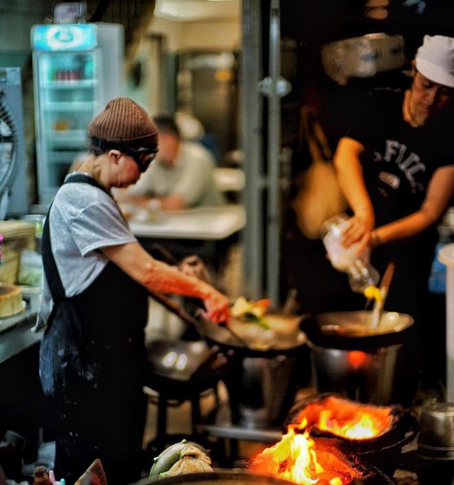 Đến bây giờ Michelin mới chỉ trao sao cho 3 quán ăn vỉa hè, và tất cả chúng đều rất gần Việt Nam - Ảnh 20.