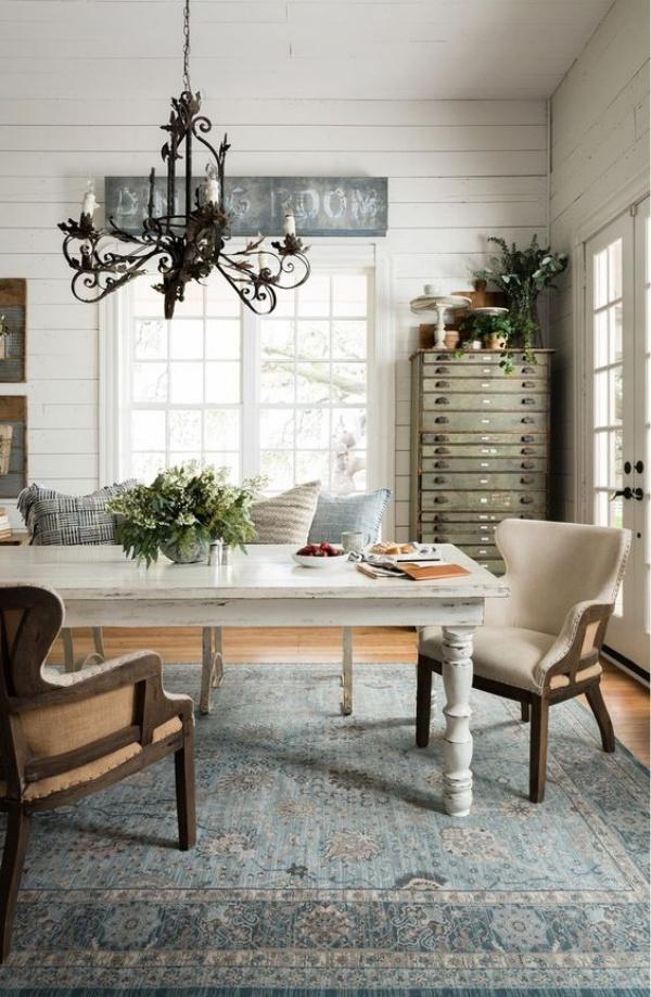 Kết hợp bàn gỗ kiểu cũ với ghế hiện đại - xu hướng mới cho phòng ăn gia đình - Ảnh 9.