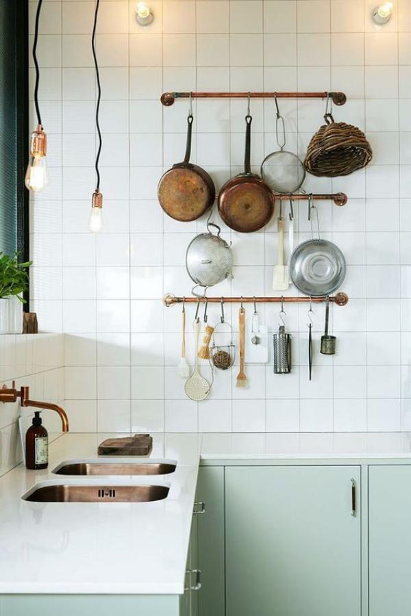 Những ý tưởng dùng kệ để tạo góc lưu trữ cực đẹp và hữu ích cho nhà nhỏ - Ảnh 4.
