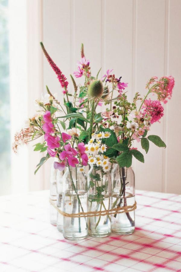 Những cách cắm hoa sáng tạo giúp nhà bạn lúc nào cũng đẹp như trong một vườn hoa - Ảnh 9.