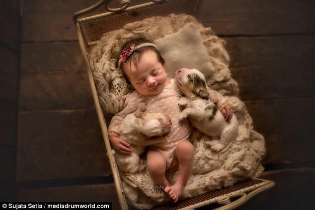 Ngắm những thiên thần bé nhỏ say gấc bên thú cưng đáng yêu - Ảnh 5.