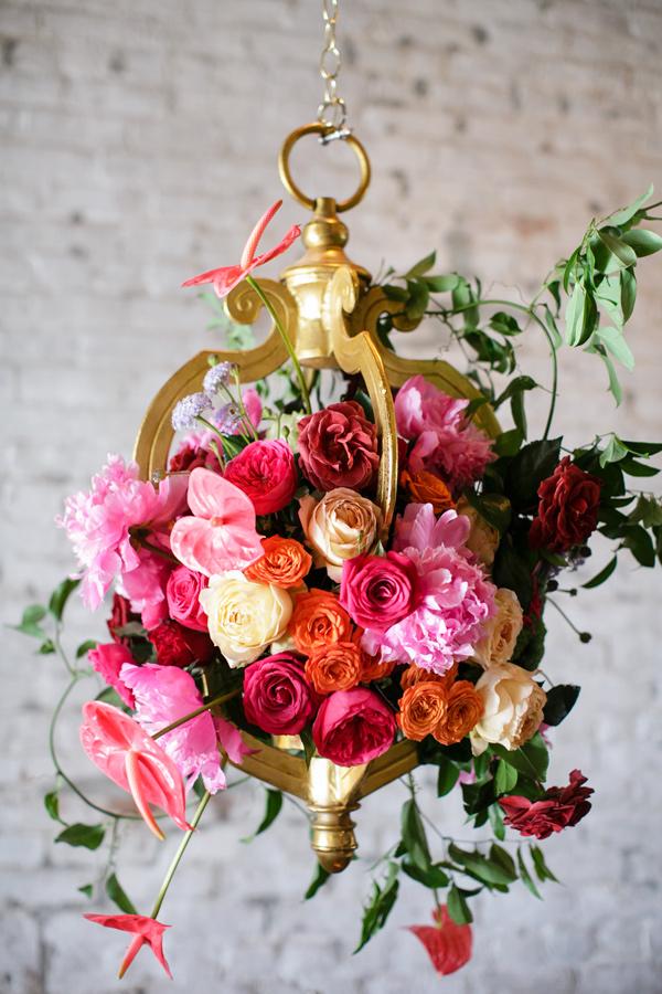 Đèn chùm bằng hoa tươi rực rỡ sắc màu làm duyên cho ngôi nhà của bạn - Ảnh 14.