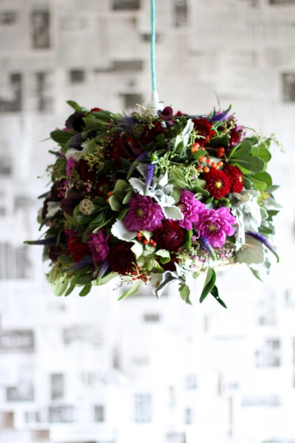 Đèn chùm bằng hoa tươi rực rỡ sắc màu làm duyên cho ngôi nhà của bạn - Ảnh 15.