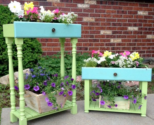 Tận dụng đồ bỏ đi trong nhà để trang trí khu vườn mùa hè thêm xanh mát - Ảnh 2.