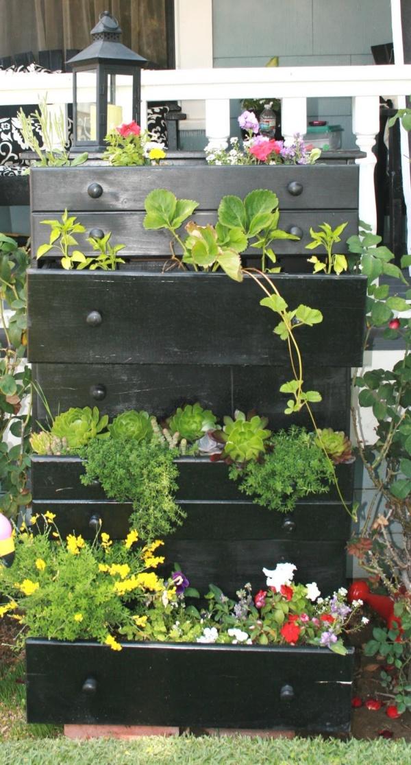 Tận dụng đồ bỏ đi trong nhà để trang trí khu vườn mùa hè thêm xanh mát - Ảnh 3.