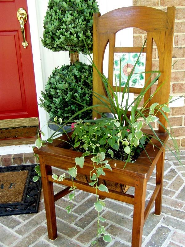 Tận dụng đồ bỏ đi trong nhà để trang trí khu vườn mùa hè thêm xanh mát - Ảnh 11.