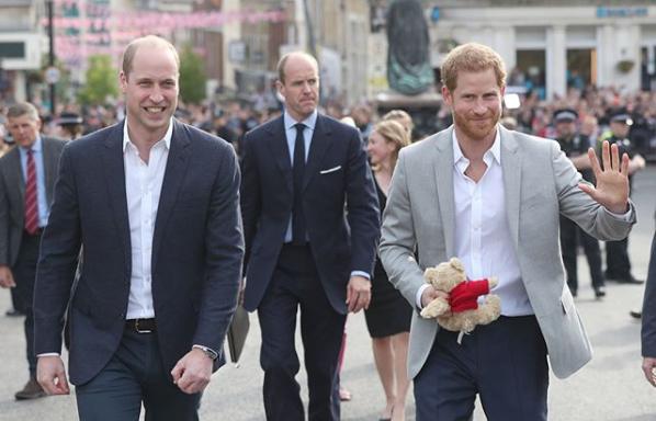 Những chi tiết cực đắt về lời ước nguyện và nhẫn cưới trong lễ cưới hoàng gia hàng tỉ người đang ngóng xem - Ảnh 3.