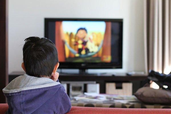 Không ngăn cấm, bà mẹ thông minh đã nghĩ ra cách này mỗi khi con đòi xem tivi, điện thoại - Ảnh 4.