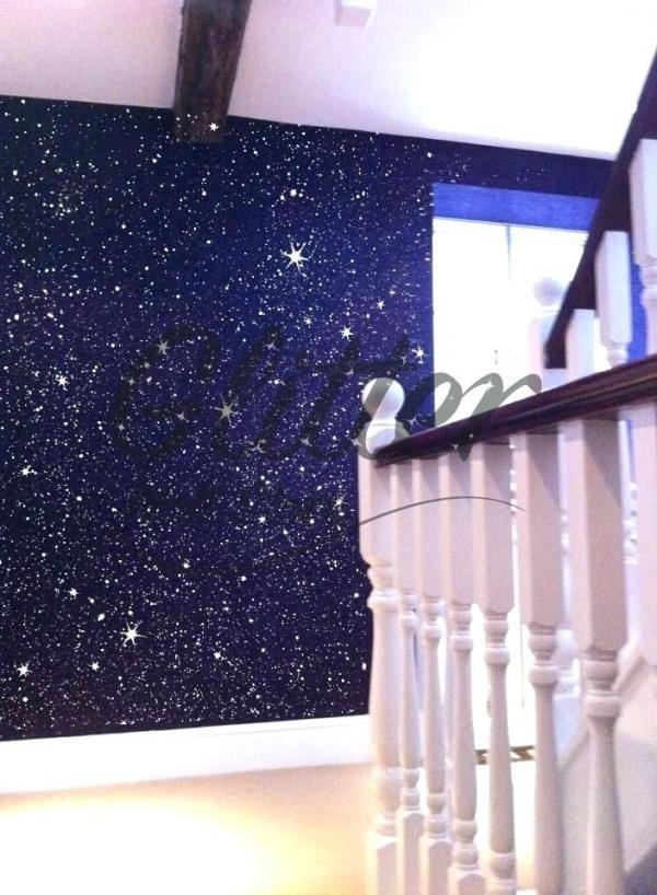 Bức tường với điểm nhấn tạo vẻ đẹp nghệ thuật cho không gian bằng sơn nhũ - Ảnh 6.