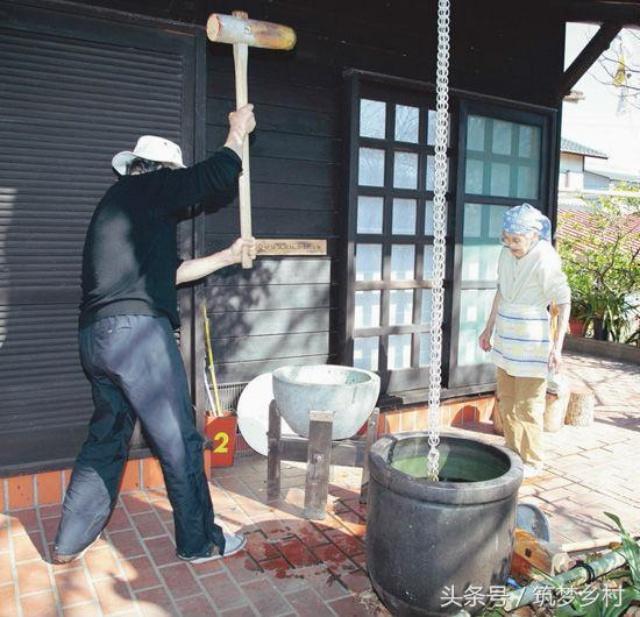 Cặp vợ chồng già bỏ phố về quê tận hưởng cuộc sống an nhàn bên ngôi nhà vườn rợp bóng cây xanh - Ảnh 14.