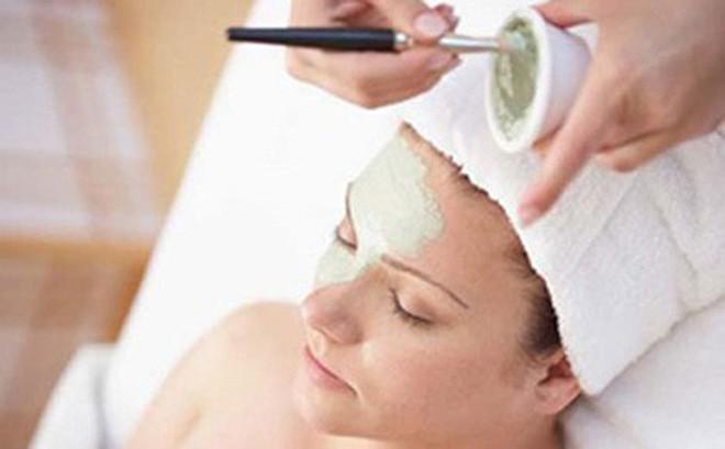 Đắp mặt nạ bằng thuốc Đông y: Đừng lấy da mặt làm thí nghiệm - Ảnh 1.