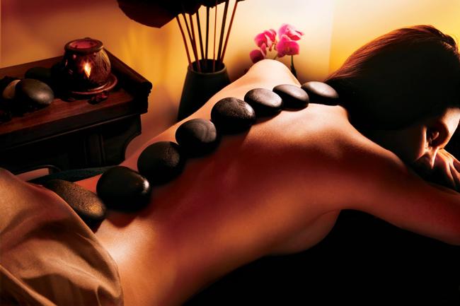 Massage bằng đá nóng đem lại vô vàn lợi ích, hãy tận dụng ngay vào những ngày lạnh lẽo này - Ảnh 3.