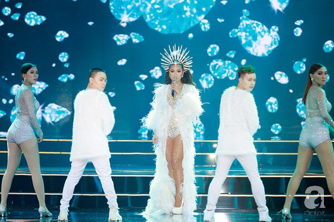 HHen Niê vượt mặt Hoàng Thùy, giành ngôi Hoa hậu Hoàn vũ Việt Nam 2017 - Ảnh 2.