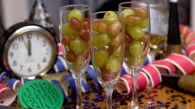 Những món ăn lấy may dịp đầu năm nổi tiếng trên thế giới - Ảnh 5.
