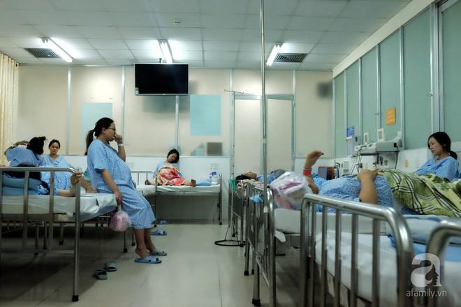 Bà mẹ 24 tuổi ở Sài Gòn sinh bé gái ngay thời khắc đầu tiên của năm 2018  - Ảnh 2.