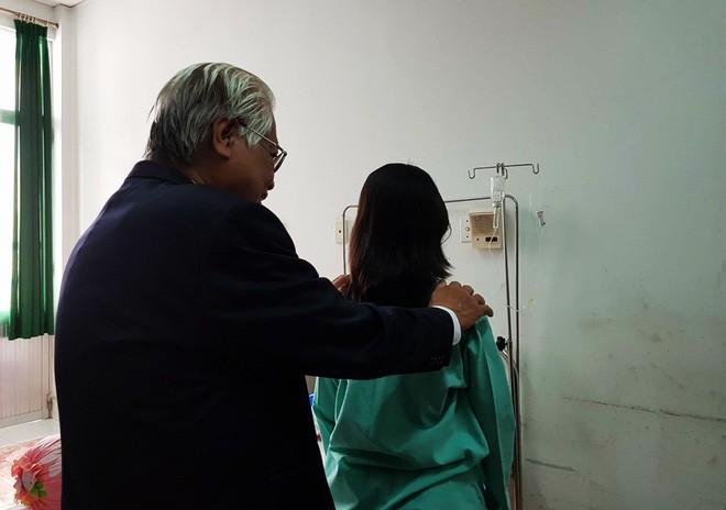 Thiếu nữ Kiên Giang mắc hội chứng hiểm, cột sống cong vẹo hình chữ S khi bắt đầu có kinh nguyệt - Ảnh 3.