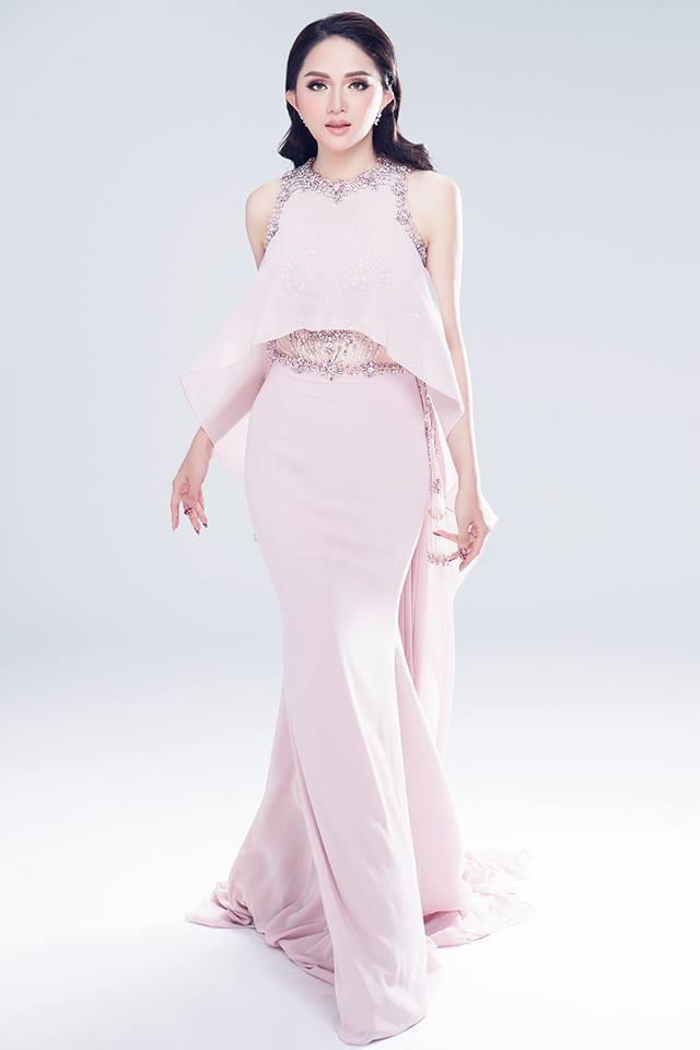 Cùng 1 chiếc đầm: Võ Hoàng Yến và Hương Giang chọn cách mặc kín đáo hơn hẳn Giáng My - Ảnh 1.