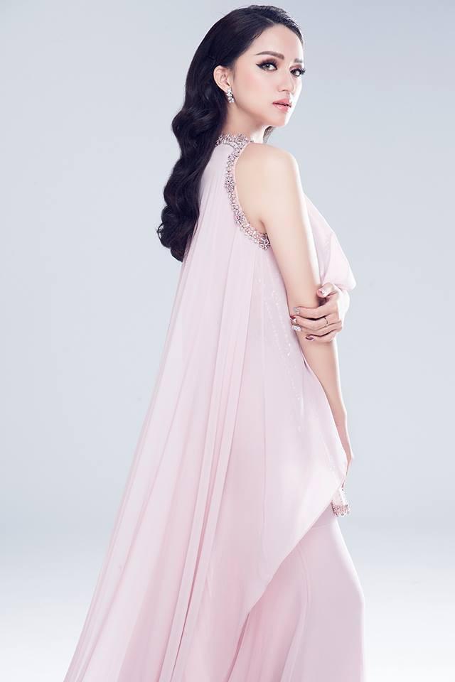 Cùng 1 chiếc đầm: Võ Hoàng Yến và Hương Giang chọn cách mặc kín đáo hơn hẳn Giáng My - Ảnh 2.