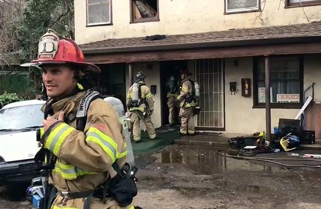 Người đàn ông đốt cháy căn hộ của mình để giết một con nhện