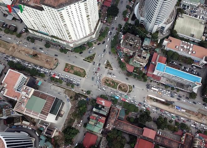 Toàn cảnh đại công trường mở rộng đường đẹp nhất Việt Nam - Ảnh 2.