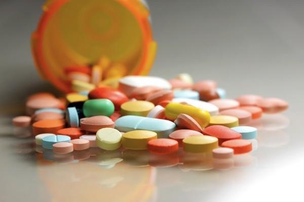 Lạm dụng những loại thuốc thông dụng này sẽ khiến bạn bất lực khi yêu  - Ảnh 1.