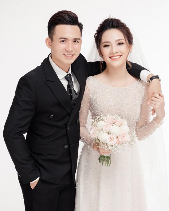 Cặp đôi Việt chuẩn ngôn tình vì trai đẹp, gái xinh lại còn tôn sùng nhau hết mức - Ảnh 5.