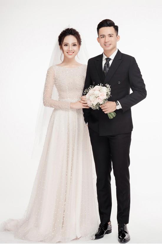 Cặp đôi Việt chuẩn ngôn tình vì trai đẹp, gái xinh lại còn tôn sùng nhau hết mức - Ảnh 6.