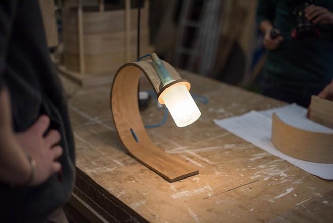 Đèn tái chế có thiết kế hiện đại tối giản đẹp như một cơn mơ - ảnh 2