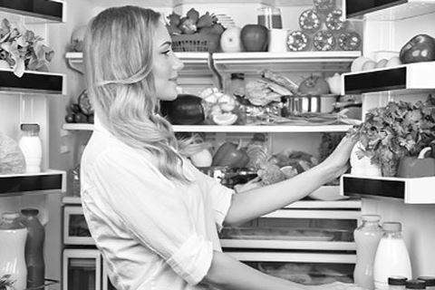 Những thực phẩm tuyệt đối không để trong tủ lạnh - Ảnh 1.