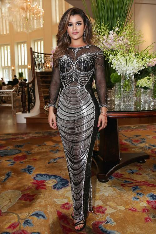 Đến cả những chiếc váy cũng xuất hiện phiên bản 'song sinh', giống hàng 'tái chế' đến 99% - Ảnh 1.
