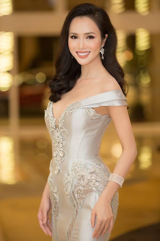 Vũ Ngọc Anh kiêu sa, lộng lẫy là thế vẫn lùi bước trước Hồ Ngọc Hà khi diện chung một mẫu váy - Ảnh 1.